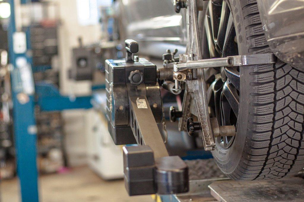KFZ Werkstatt Auto Reparatur Werkstattboden